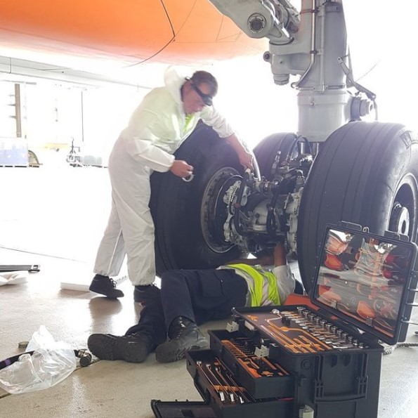 Maintenance on an aircraft wheel or wheelchange